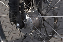 Dynamo moyeu pour les éclairages vélo