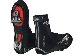 Chaussures adaptées avec semelles pour pédales automatiques