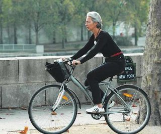christine lagarde a velo
