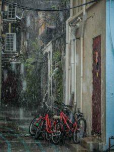 Le couvre selle pour protéger sa bicyclette d'une averse