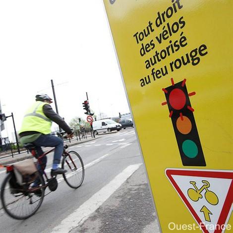 A Nantes, les vélos tournent à droite au feu rouge