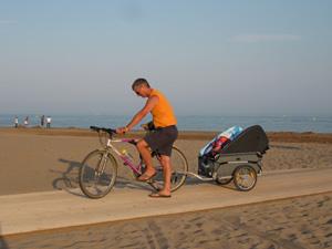 Tous à la plage grâce au vélo et à la remorque !