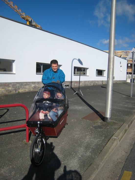 le vélo cargo pour aller à l'école