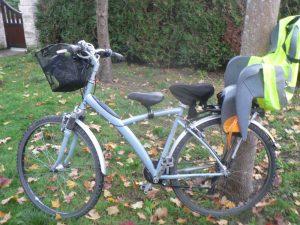 équipements du vélo pour aller à l'école