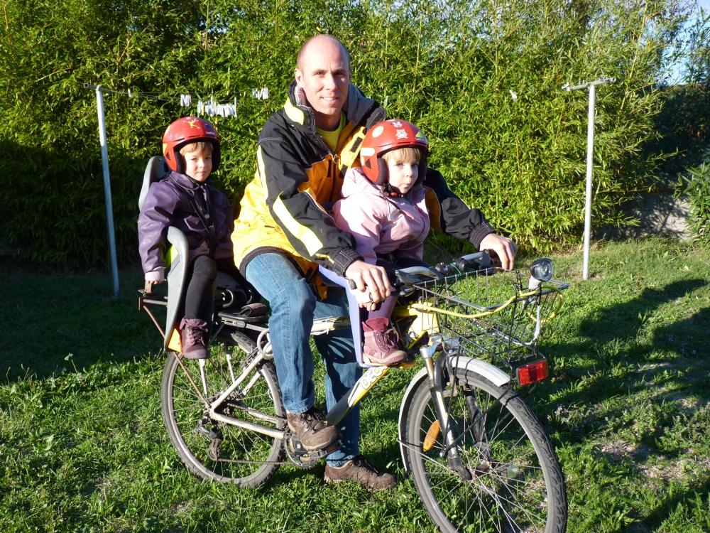 En partance pour l'école à vélo