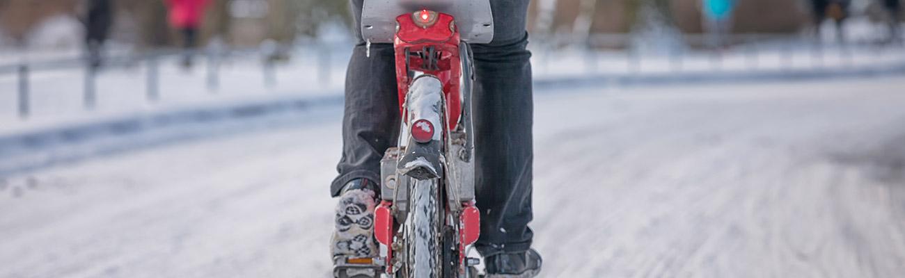 Le vélo en hiver : les accessoires de sécurité indispensables