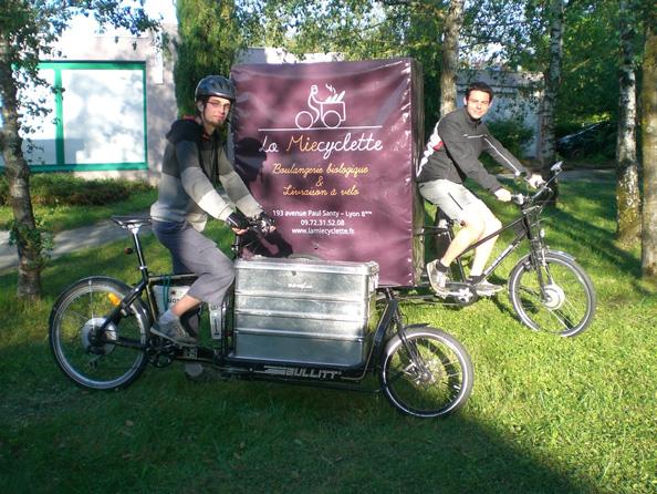 Les travailleurs à vélo : le pain bio en vélo-cargo