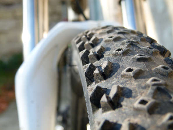 Trouvez la pression idéale pour vos pneus de vélo !
