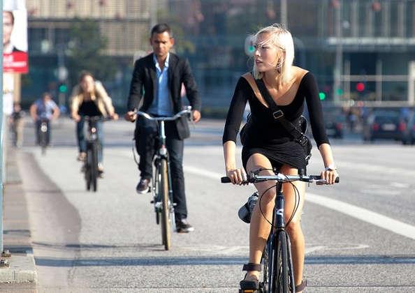 Aller au travail à vélo, les vélotafeurs bientôt récompensés