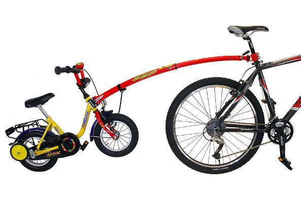 Le Trail-Gator : la barre de remorquage entre vélo adulte et vélo enfant