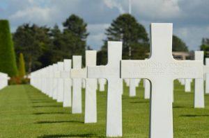 Cimetière de soldats en Normandie et commémoration du Débarquement