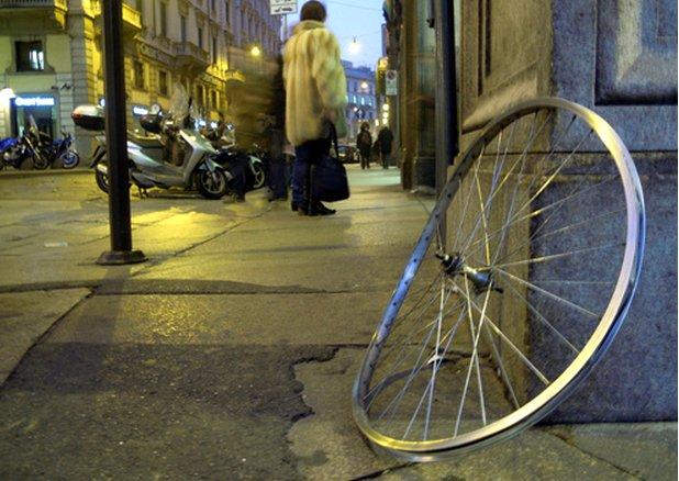 Dévoiler une roue, un entretien indispensable pour votre vélo