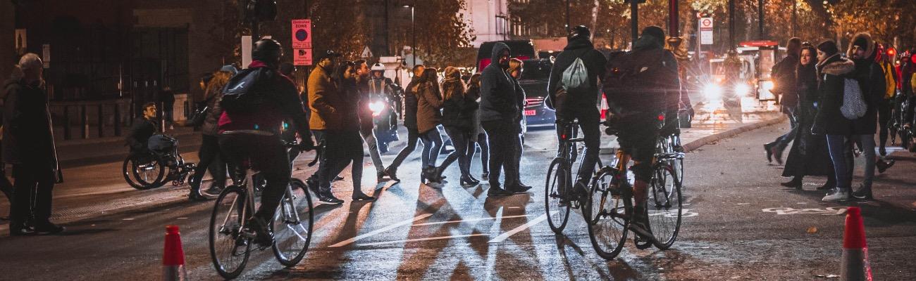 Sécurité à vélo : s'équiper de bandes réfléchissantes pour pneus vélo