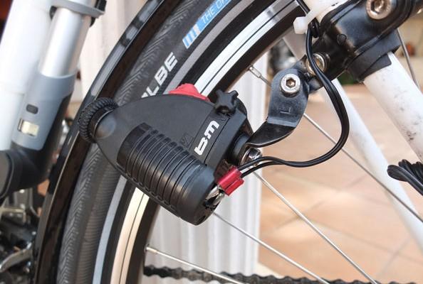 Système d'alimentation dynamo pour phare vélo