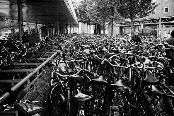 Amsterdam : les bouchons de vélos existent !