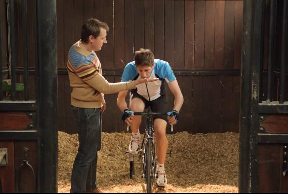 Voyez un cycliste. Pensez cheval !
