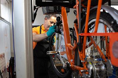 Révision d'un V'Lim vélo en libre service de Limoges