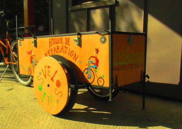 Vélocampus lance l'atelier-réparation itinérant grâce à sa «Charrette»
