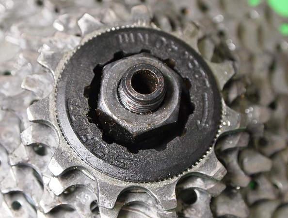 Entretien et montage d'une cassette de vélo
