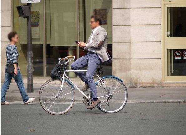 Enquête vélo 2014 : les cyclistes français sont imprudents