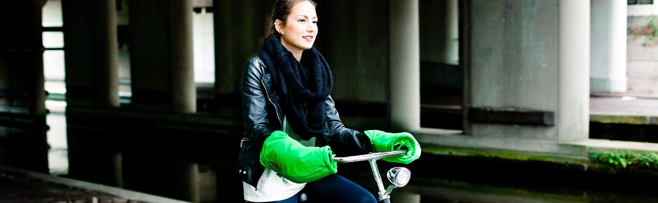 Le vélo en hiver : les accessoires tendance pour lutter contre le froid et la pluie