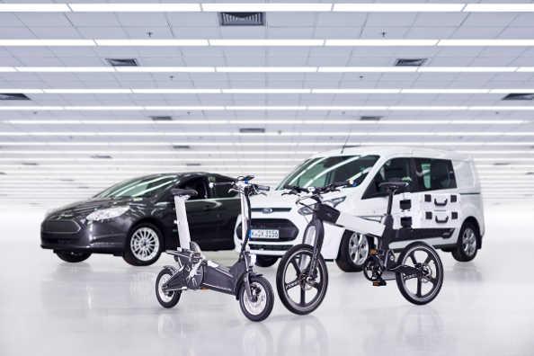 Eco-mobilité : quand les constructeurs auto s'intéressent aux vélos