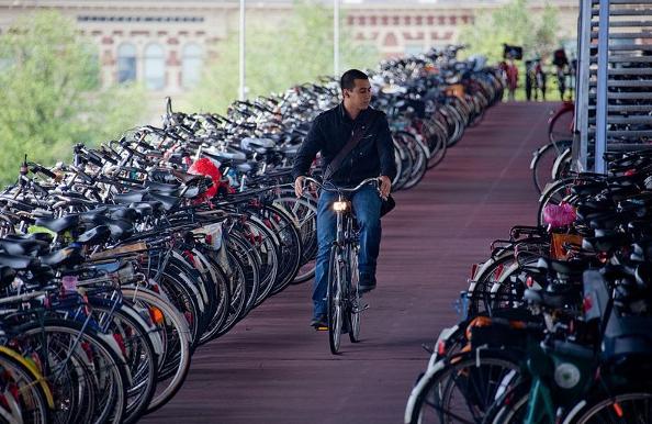 Comment les Pays-Bas sont devenus LE pays du vélo ?