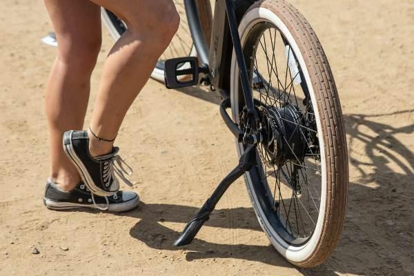 vélo à assistance électrique avec moteur roue arrière
