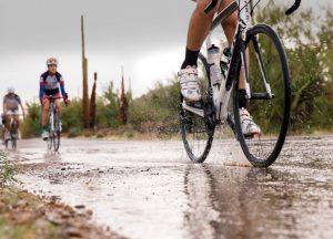 pneu sous la pluie