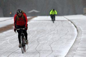 Faire attention à sa conduite à vélo en hiver