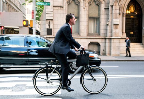 Les avantages chiffrés d'aller au travail à vélo