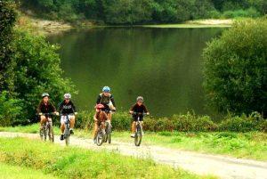 Un groupe de cyclotouristes
