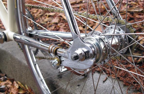 Comment monter une roue vélo à rétropédalage