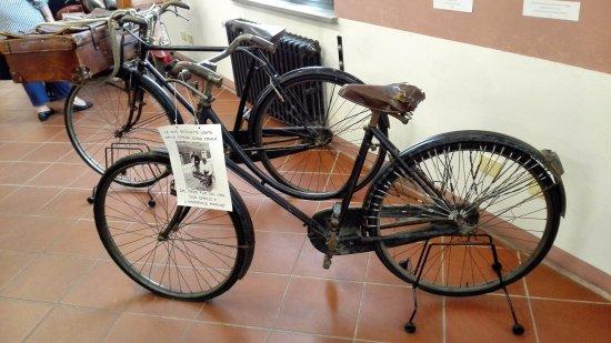 Vélo ancien pare-jupe
