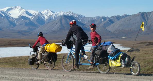 Partir en vacances à vélo pour l'éveil de son enfant