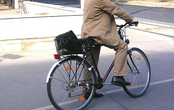Les politiques à bicyclette !