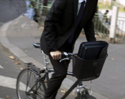 velo-cyclisme-paris-salarie-11110881yjscz