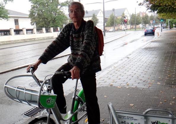 SOFIA : il teste les transports (vélo en libre service, bus, …)