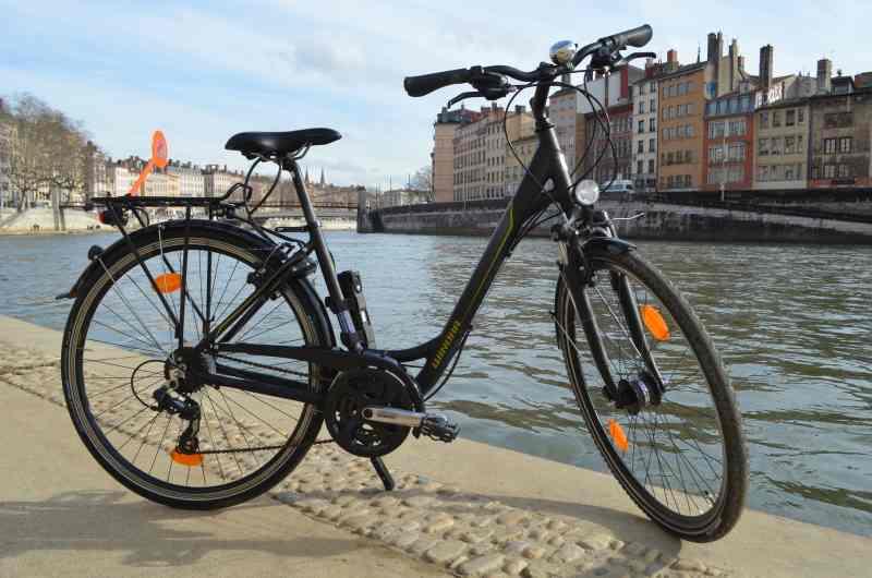Un vélo conforme à la reglementation sur l'équipement obligatoire