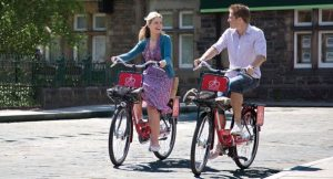Port obligatoire de casque à vélo