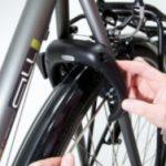 Comment fixer un anti vol de cadre sur le vélo