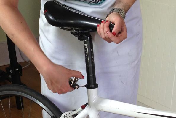 Comment changer une selle de vélo