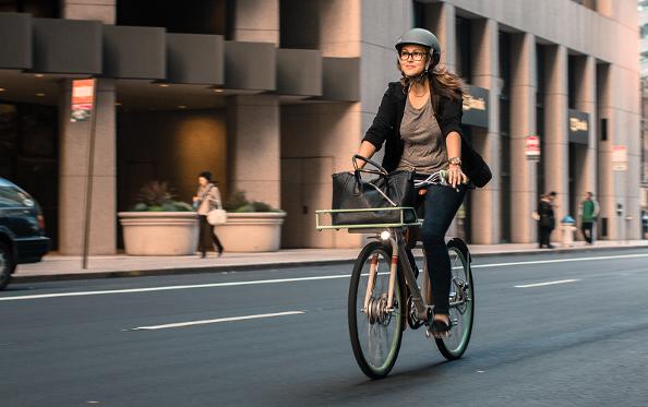 Flottes de vélos en entreprise : le décret en place pour la réduction d'impôt