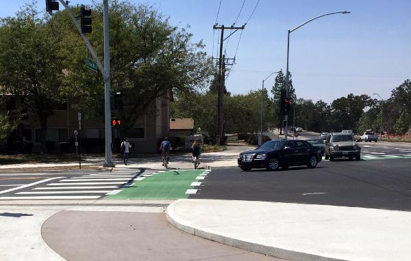 Uniformiser les intersections pour une meilleure cohabitation vélo-voiture