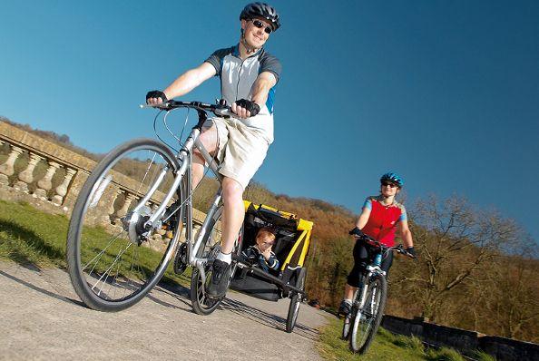 Remorque vélo ou siège enfant, quelle est la meilleure solution ?