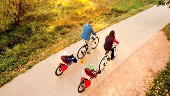 Les nouveautés Weehoo : les remorques vélo iGo Blast et Cargo