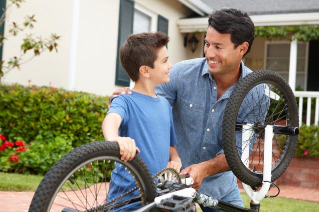 10 idées de cadeaux vélo pour la fête des pères