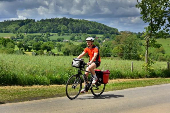 La Vélo Francette – passage de l'itinéraire au Mont Cerisy © J. Damase - Orne