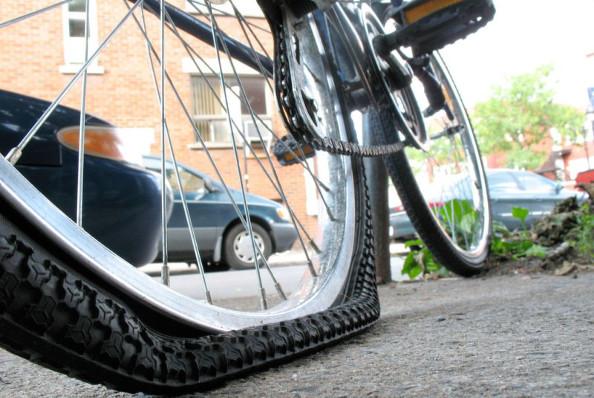 Vélotaf : quelles solutions en cas de crevaison en chemin ?