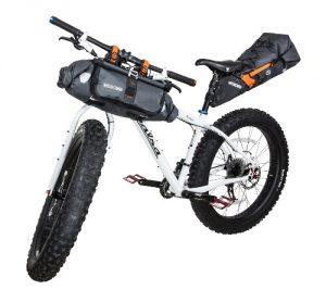 Sacoches vélo sur guidon ou sur tige de selle pour le bikepacking